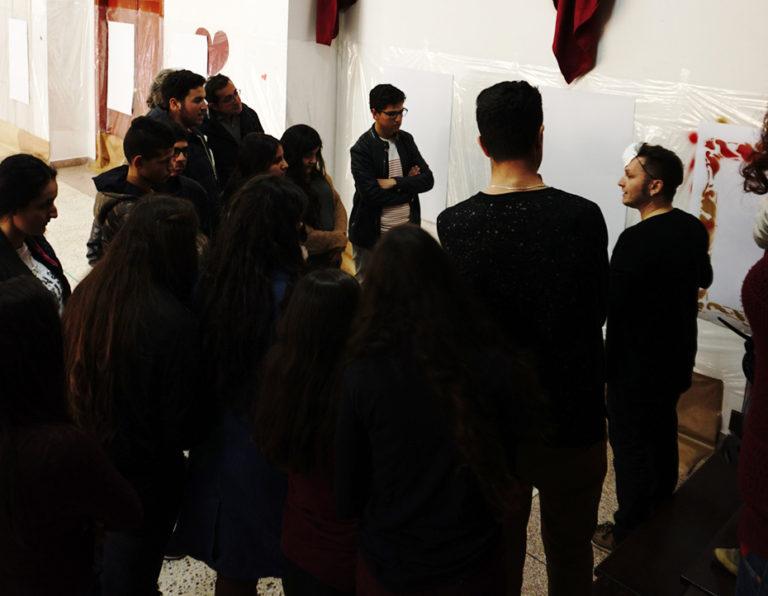 Proyecto Identidades. Colaboran: IE Melchor Jovellanos. Lugar: Salón de Actos, IE Melchor de Jovellanos. Alhucemos, Marruecos, 2018. Foto Maha Boulayoun.