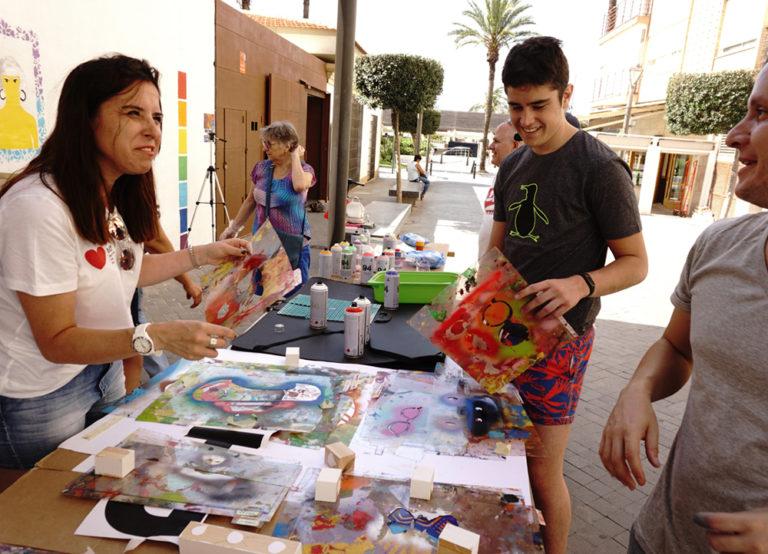 Proyecto Identidades. Torrevieja (Alicante). Olga Parra y Zarva Barroso. Orgullo Torrevieja. 2018.
